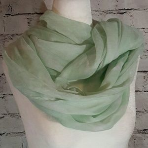 Accessories - Infinity green scarf